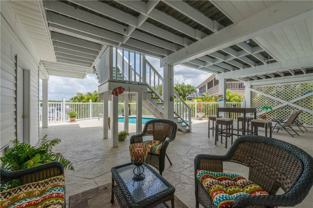 Lagoon Beach House 3 Bedrooms Walk to Gulf Private Pool Sleeps 6 House / Cottage rental in Fort Myers Beach House Rentals in Fort Myers Beach Florida - #27