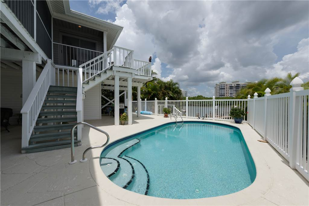 Lagoon Beach House 3 Bedrooms Walk to Gulf Private Pool Sleeps 6 House / Cottage rental in Fort Myers Beach House Rentals in Fort Myers Beach Florida - #31