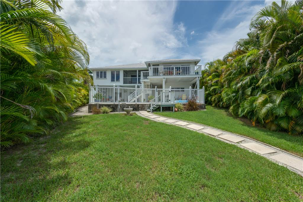 Lagoon Beach House 3 Bedrooms Walk to Gulf Private Pool Sleeps 6 House / Cottage rental in Fort Myers Beach House Rentals in Fort Myers Beach Florida - #32