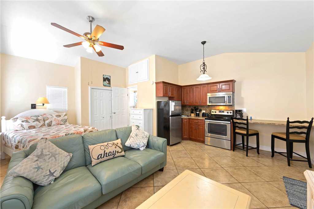 Mangrove Breeze Cottage Studio Walk to Beach Pet Friendly Sleeps 4 House/Cottage rental in Fort Myers Beach House Rentals in Fort Myers Beach Florida - #1