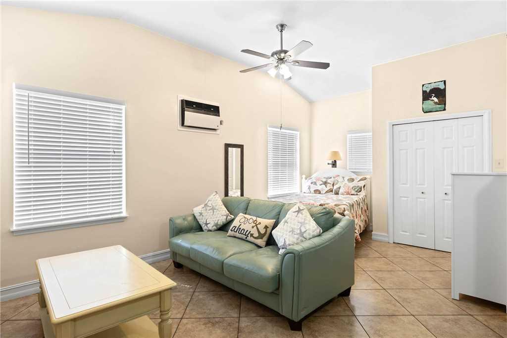 Mangrove Breeze Cottage Studio Walk to Beach Pet Friendly Sleeps 4 House/Cottage rental in Fort Myers Beach House Rentals in Fort Myers Beach Florida - #5