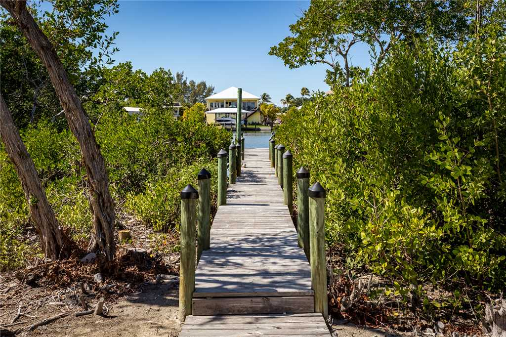 Mystic Dolphin 1 2 Bedrooms Walk to the Gulf Sleeps 6 House / Cottage rental in Fort Myers Beach House Rentals in Fort Myers Beach Florida - #21