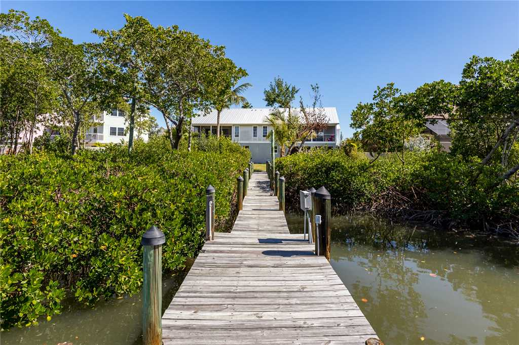 Mystic Dolphin 1 2 Bedrooms Walk to the Gulf Sleeps 6 House / Cottage rental in Fort Myers Beach House Rentals in Fort Myers Beach Florida - #22