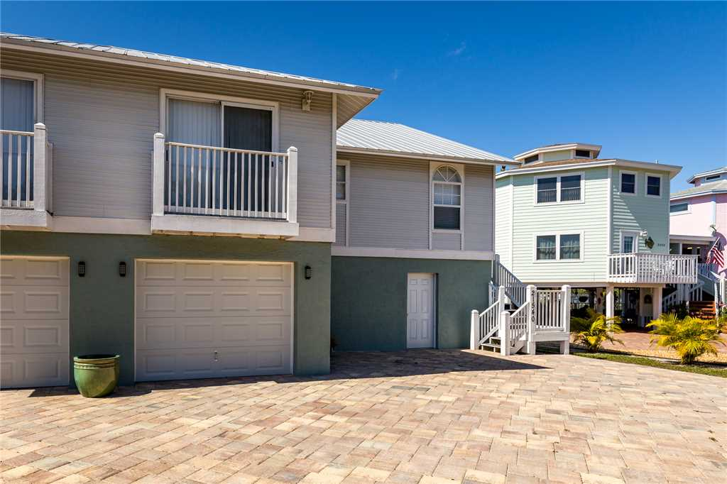 Mystic Dolphin 1 2 Bedrooms Walk to the Gulf Sleeps 6 House / Cottage rental in Fort Myers Beach House Rentals in Fort Myers Beach Florida - #23