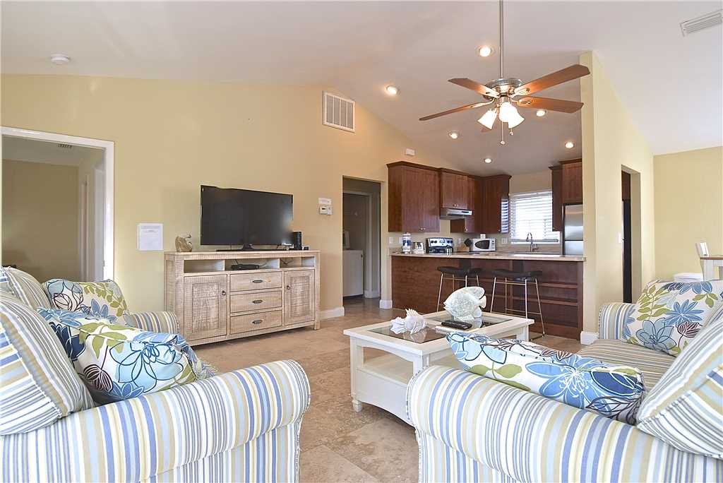 Mystic Dolphin 2 2 Bedrooms Walk to the Gulf Sleeps 6 WIFI House/Cottage rental in Fort Myers Beach House Rentals in Fort Myers Beach Florida - #1