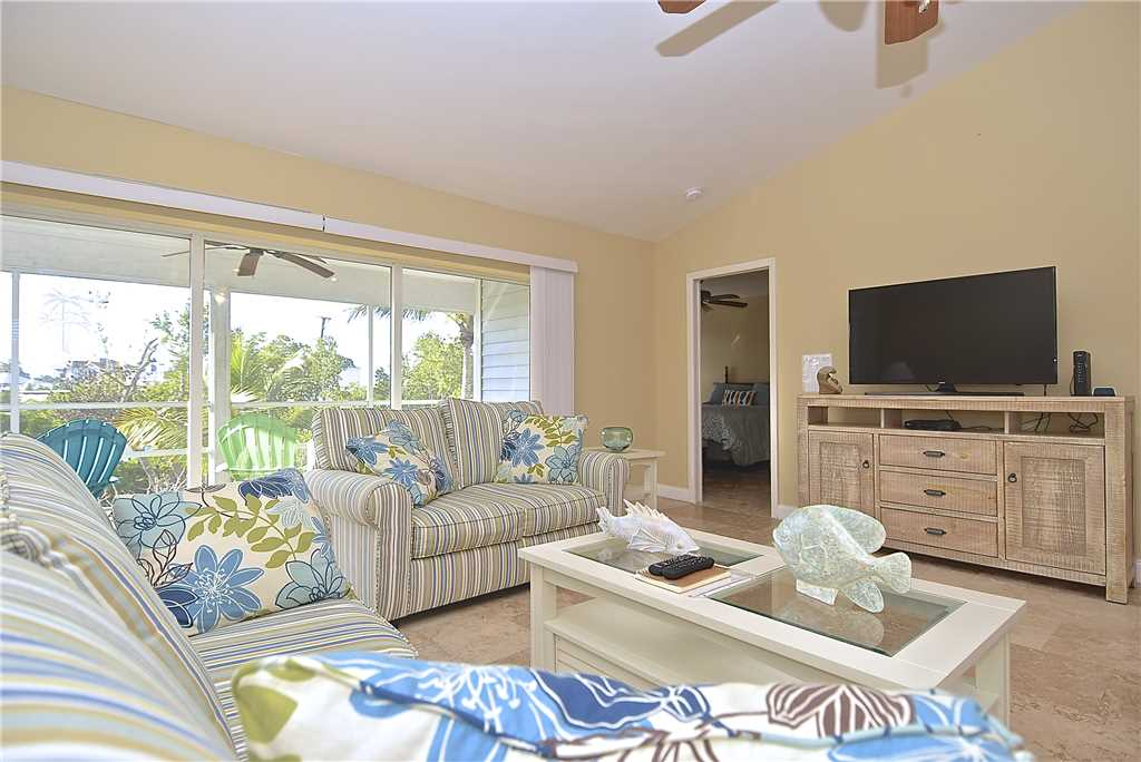 Mystic Dolphin 2 2 Bedrooms Walk to the Gulf Sleeps 6 WIFI House/Cottage rental in Fort Myers Beach House Rentals in Fort Myers Beach Florida - #3