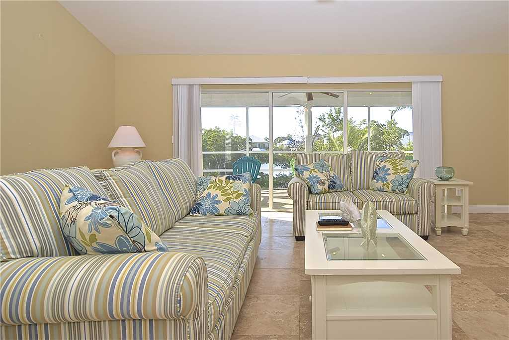 Mystic Dolphin 2 2 Bedrooms Walk to the Gulf Sleeps 6 WIFI House/Cottage rental in Fort Myers Beach House Rentals in Fort Myers Beach Florida - #4