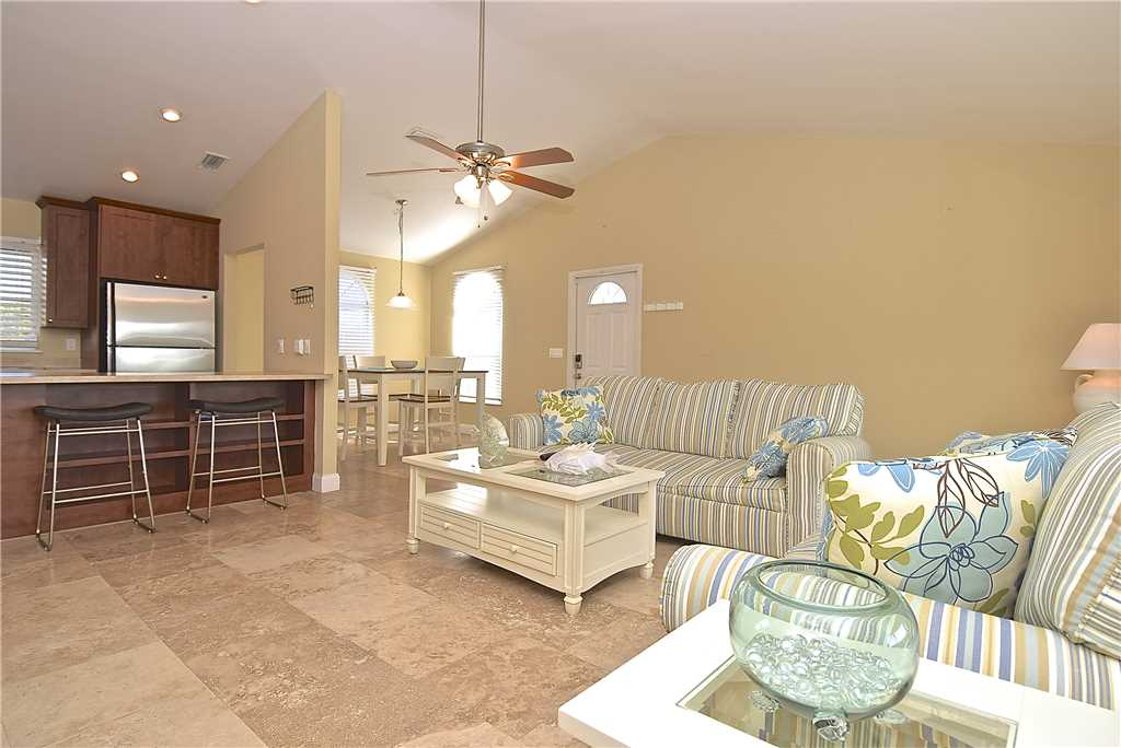 Mystic Dolphin 2 2 Bedrooms Walk to the Gulf Sleeps 6 WIFI House/Cottage rental in Fort Myers Beach House Rentals in Fort Myers Beach Florida - #5