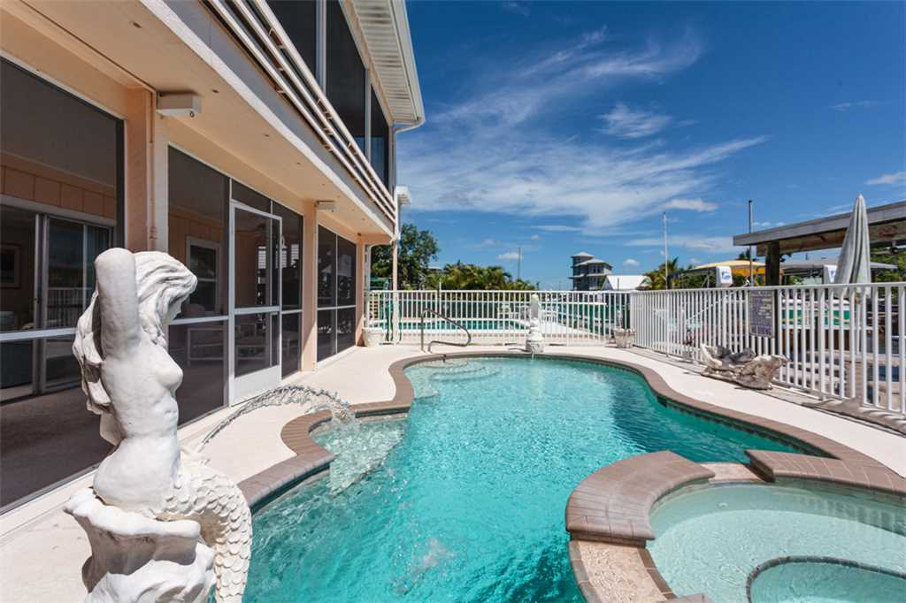 Primo Pool Home 4 bedrooms Heated Pool Sleeps 12 House/Cottage rental in Fort Myers Beach House Rentals in Fort Myers Beach Florida - #1