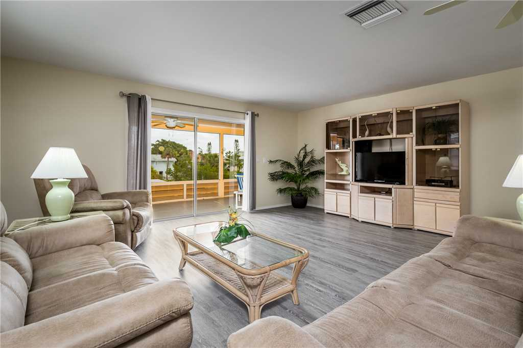 Primo Pool Home 4 bedrooms Heated Pool Sleeps 12 House/Cottage rental in Fort Myers Beach House Rentals in Fort Myers Beach Florida - #3