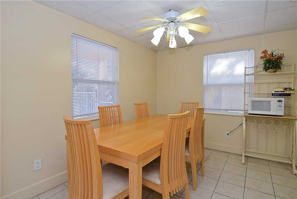 Primo Pool Home 4 bedrooms Heated Pool Sleeps 12 House/Cottage rental in Fort Myers Beach House Rentals in Fort Myers Beach Florida - #16