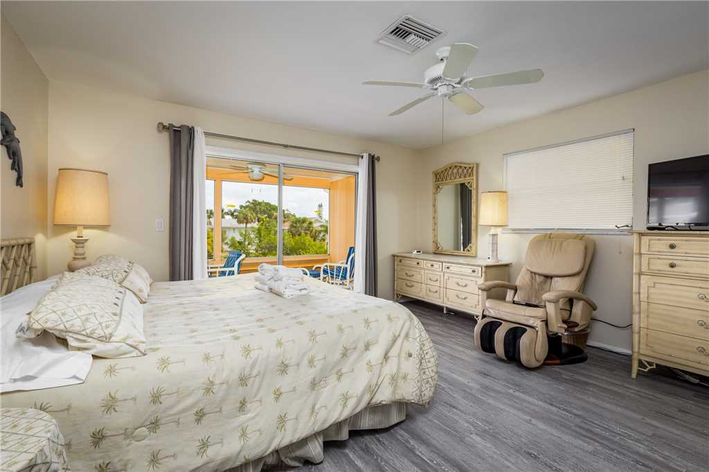 Primo Pool Home 4 bedrooms Heated Pool Sleeps 12 House/Cottage rental in Fort Myers Beach House Rentals in Fort Myers Beach Florida - #18