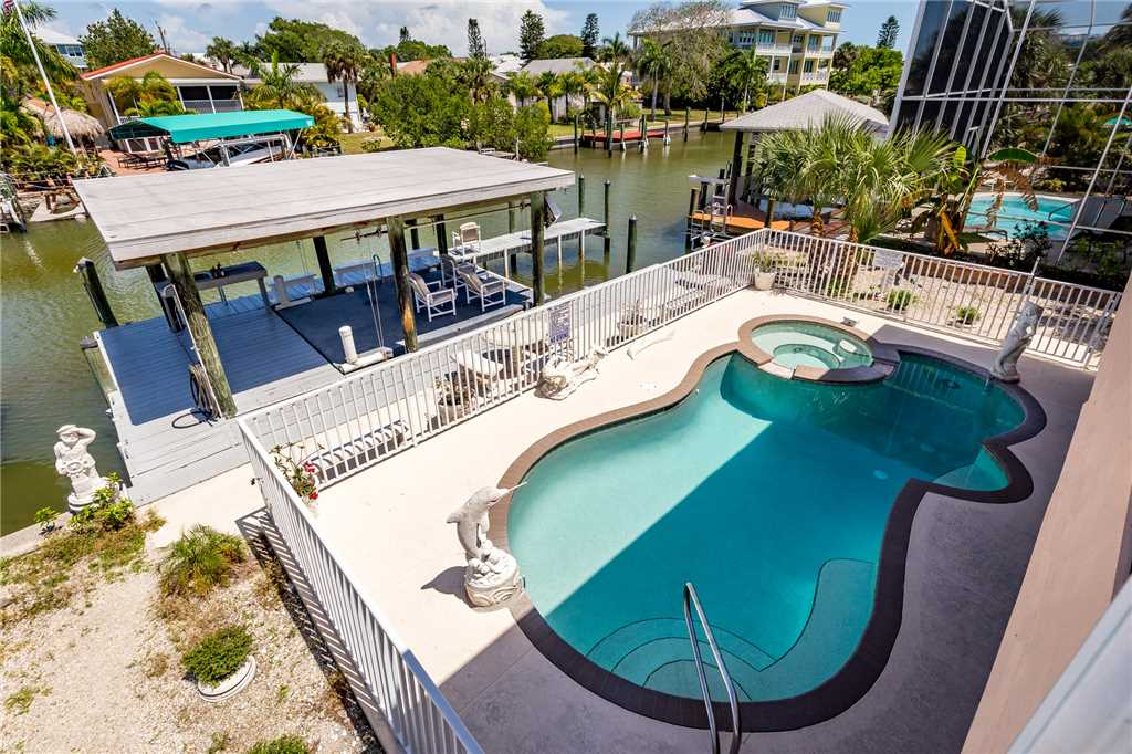 Primo Pool Home 4 bedrooms Heated Pool Sleeps 12 House/Cottage rental in Fort Myers Beach House Rentals in Fort Myers Beach Florida - #32