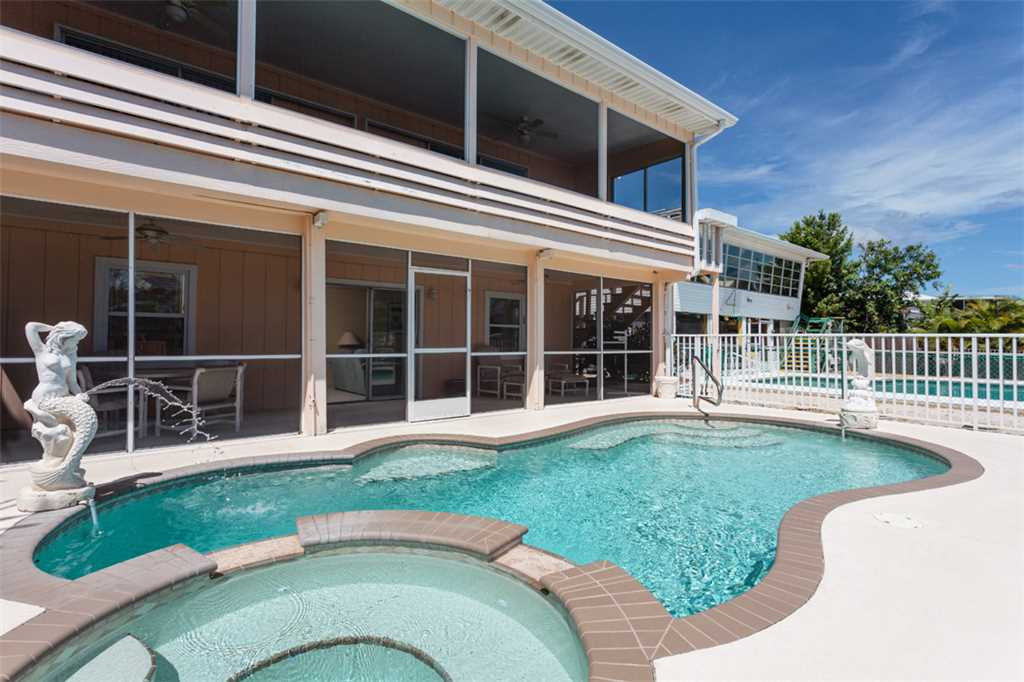 Primo Pool Home 4 bedrooms Heated Pool Sleeps 12 House/Cottage rental in Fort Myers Beach House Rentals in Fort Myers Beach Florida - #35