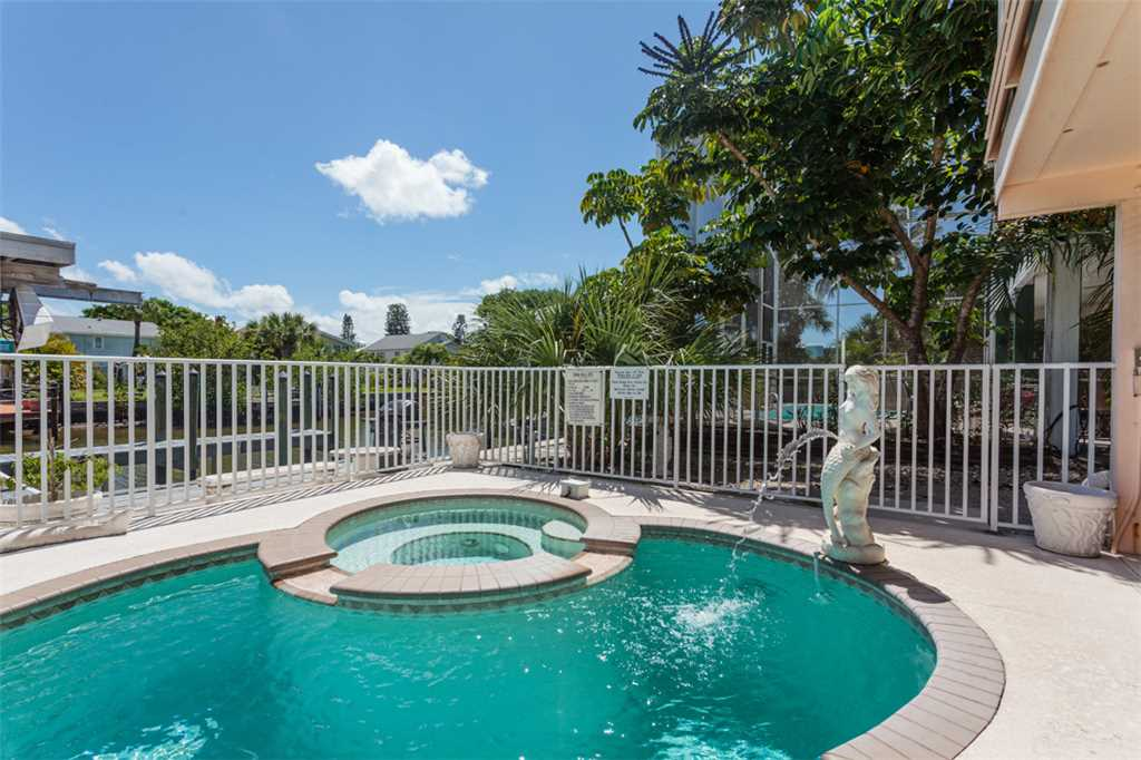 Primo Pool Home 4 bedrooms Heated Pool Sleeps 12 House/Cottage rental in Fort Myers Beach House Rentals in Fort Myers Beach Florida - #37