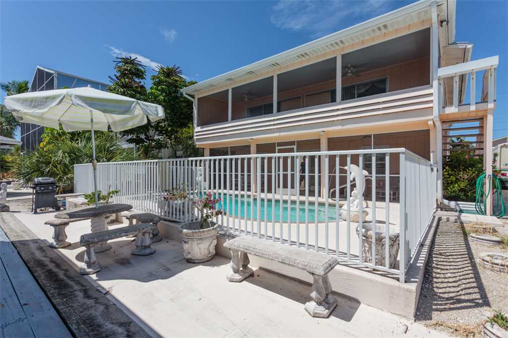 Primo Pool Home 4 bedrooms Heated Pool Sleeps 12 House/Cottage rental in Fort Myers Beach House Rentals in Fort Myers Beach Florida - #38