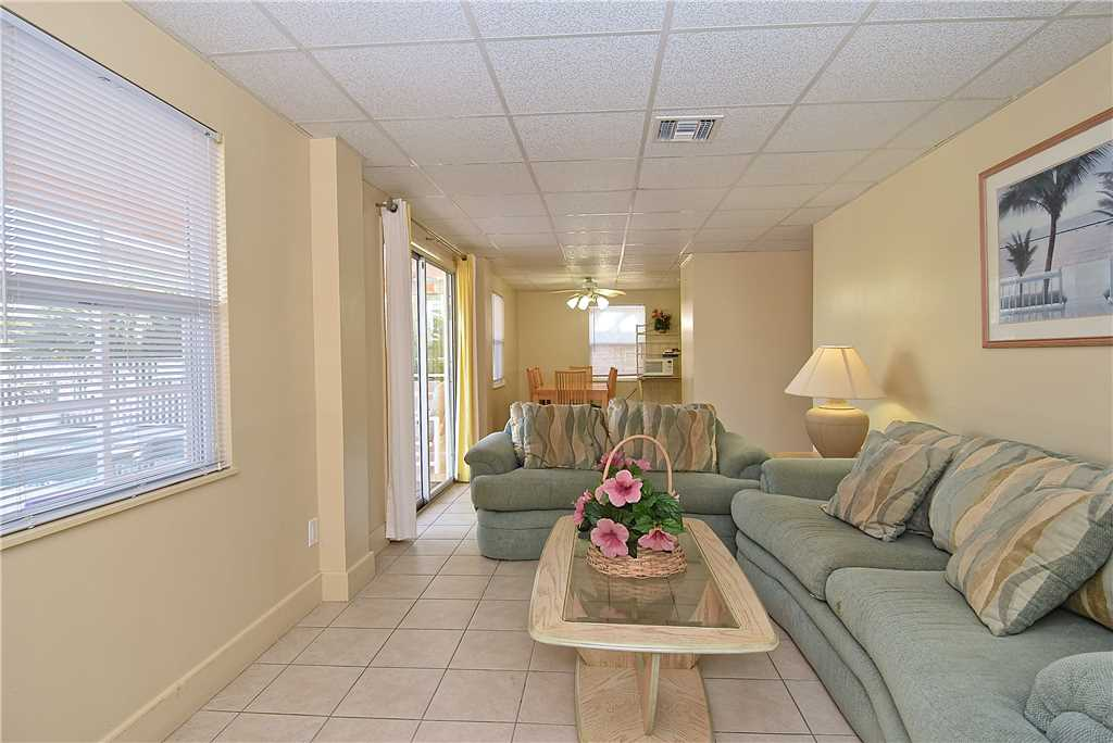 Primo Pool Home Lower 2 Bedrooms Pool Sleeps 6 House/Cottage rental in Fort Myers Beach House Rentals in Fort Myers Beach Florida - #3