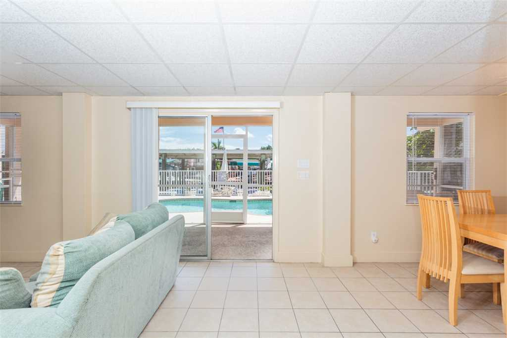 Primo Pool Home Lower 2 Bedrooms Pool Sleeps 6 House/Cottage rental in Fort Myers Beach House Rentals in Fort Myers Beach Florida - #4