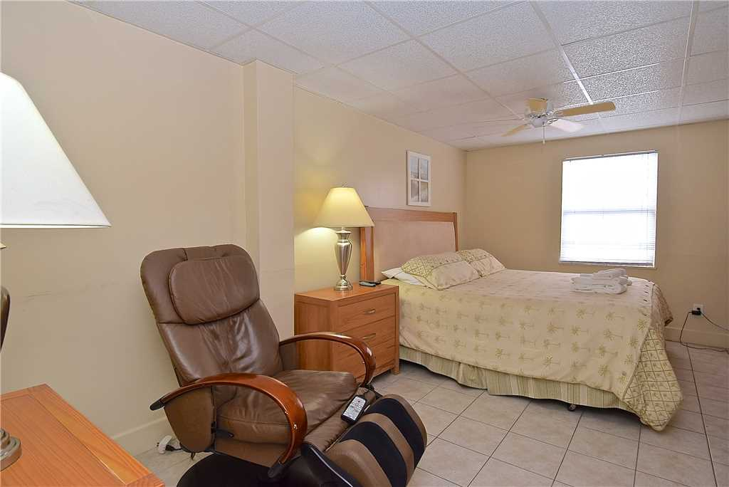 Primo Pool Home Lower 2 Bedrooms Pool Sleeps 6 House/Cottage rental in Fort Myers Beach House Rentals in Fort Myers Beach Florida - #10