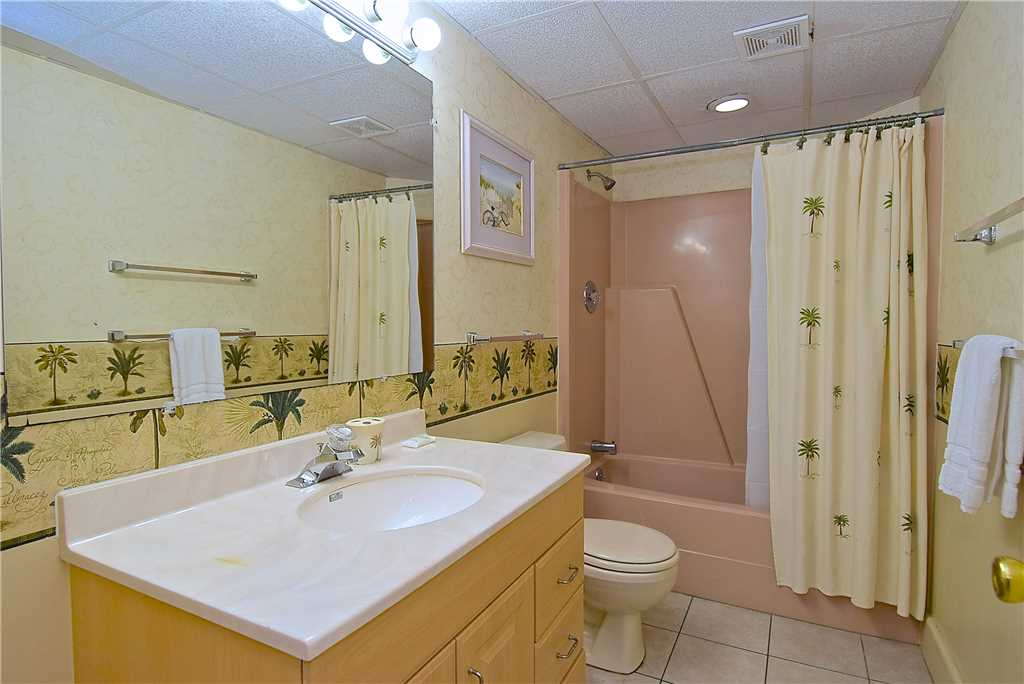 Primo Pool Home Lower 2 Bedrooms Pool Sleeps 6 House/Cottage rental in Fort Myers Beach House Rentals in Fort Myers Beach Florida - #11