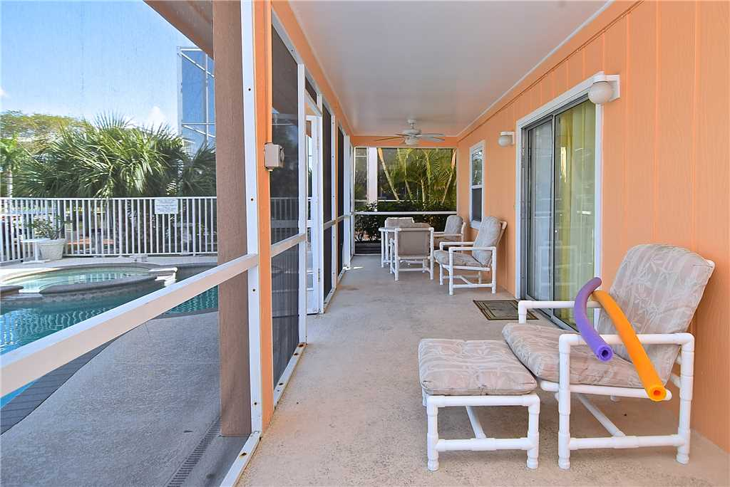 Primo Pool Home Lower 2 Bedrooms Pool Sleeps 6 House/Cottage rental in Fort Myers Beach House Rentals in Fort Myers Beach Florida - #13