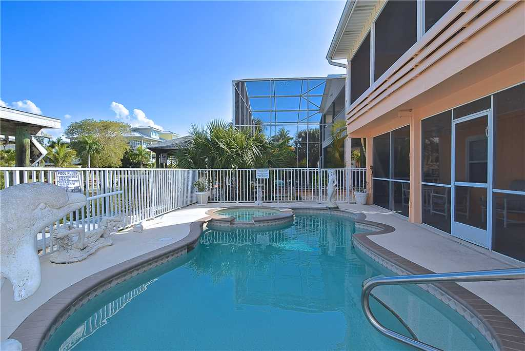 Primo Pool Home Lower 2 Bedrooms Pool Sleeps 6 House/Cottage rental in Fort Myers Beach House Rentals in Fort Myers Beach Florida - #15