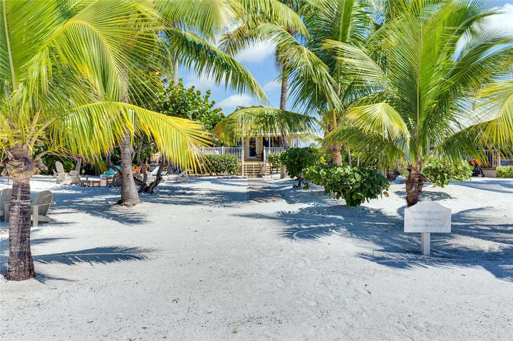 Tropical Paradise 3 Bedrooms Gulf Beach Front Heated Spa Sleeps 8 House/Cottage rental in Fort Myers Beach House Rentals in Fort Myers Beach Florida - #28