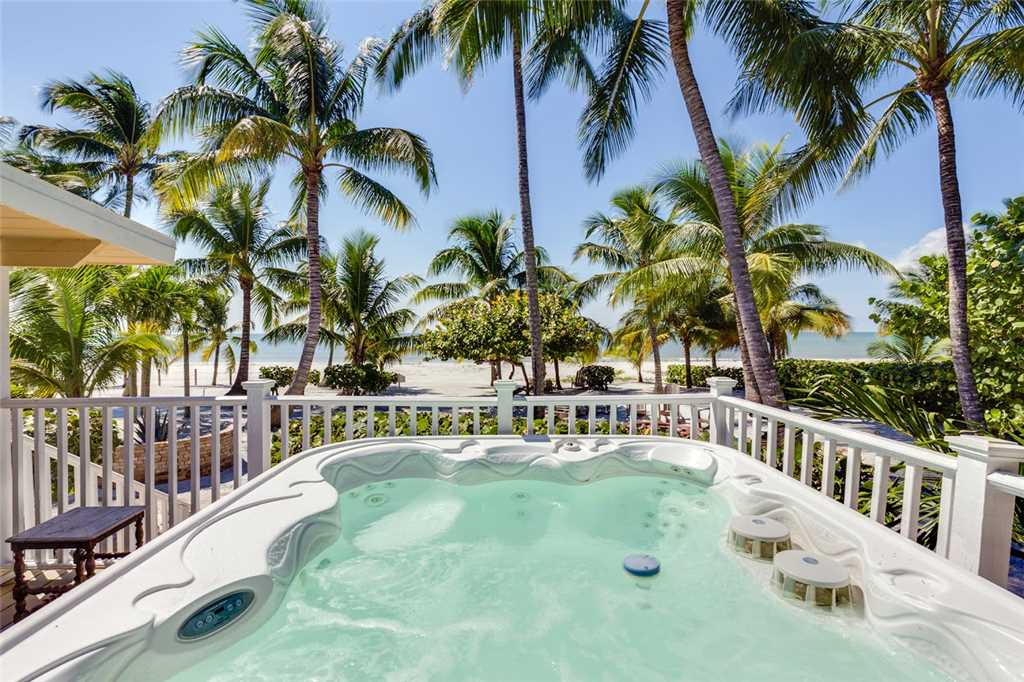 Tropical Paradise Manor 4 Bedrooms Gulf Front Sleeps 12 House/Cottage rental in Fort Myers Beach House Rentals in Fort Myers Beach Florida - #1