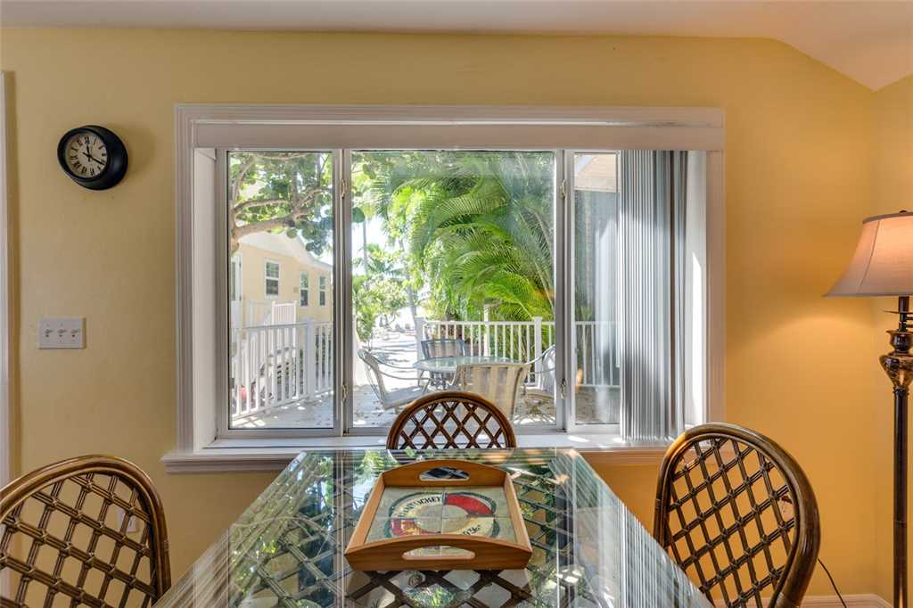 Tropical Paradise Manor 4 Bedrooms Gulf Front Sleeps 12 House/Cottage rental in Fort Myers Beach House Rentals in Fort Myers Beach Florida - #27