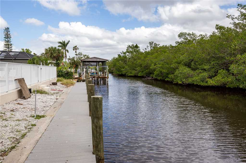 Tropical Shores 2 Upper Floor 2 Bedrooms Heated Pool House / Cottage rental in Fort Myers Beach House Rentals in Fort Myers Beach Florida - #17