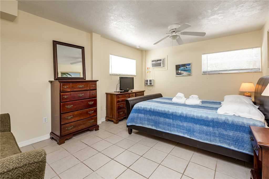 Tropical Shores 3 Ground Floor 2 Bedrooms Heated Pool House / Cottage rental in Fort Myers Beach House Rentals in Fort Myers Beach Florida - #6