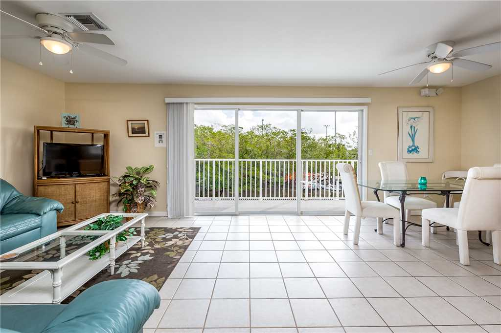 Tropical Shores 4 Upper Floor 2 Bedrooms Heated Pool House/Cottage rental in Fort Myers Beach House Rentals in Fort Myers Beach Florida - #4