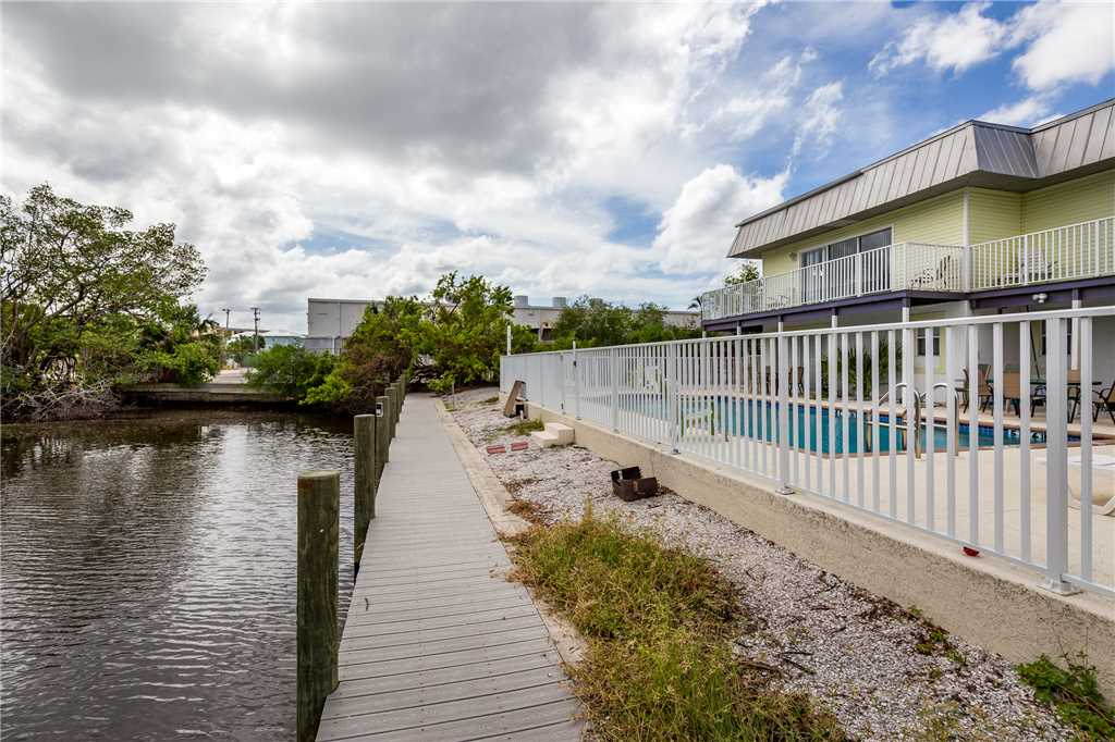 Tropical Shores Downstairs 2 Bedrooms Heated Pool Sleeps 10 House / Cottage rental in Fort Myers Beach House Rentals in Fort Myers Beach Florida - #2