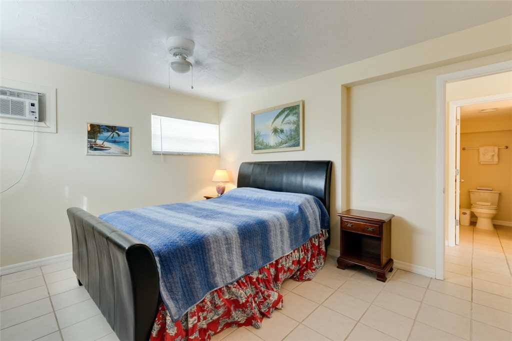 Tropical Shores Downstairs 2 Bedrooms Heated Pool Sleeps 10 House / Cottage rental in Fort Myers Beach House Rentals in Fort Myers Beach Florida - #9