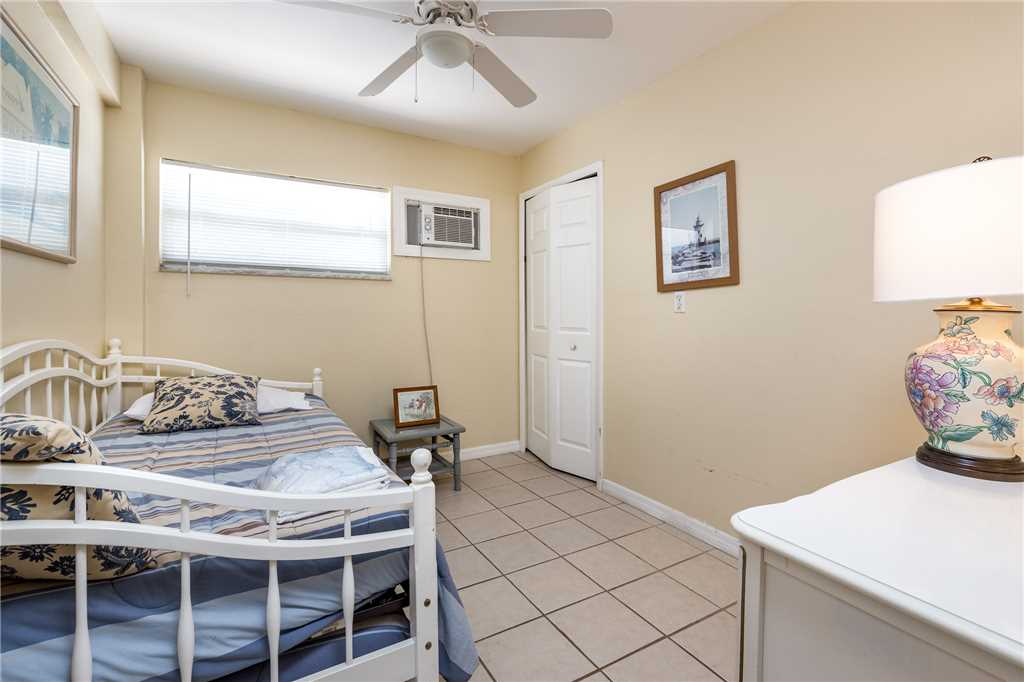 Tropical Shores Downstairs 2 Bedrooms Heated Pool Sleeps 10 House / Cottage rental in Fort Myers Beach House Rentals in Fort Myers Beach Florida - #12