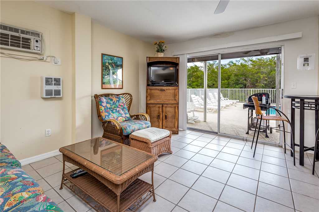 Tropical Shores Downstairs 2 Bedrooms Heated Pool Sleeps 10 House / Cottage rental in Fort Myers Beach House Rentals in Fort Myers Beach Florida - #16