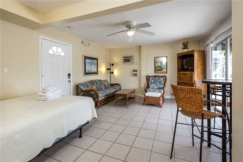 Tropical Shores Downstairs 2 Bedrooms Heated Pool Sleeps 10 House / Cottage rental in Fort Myers Beach House Rentals in Fort Myers Beach Florida - #17