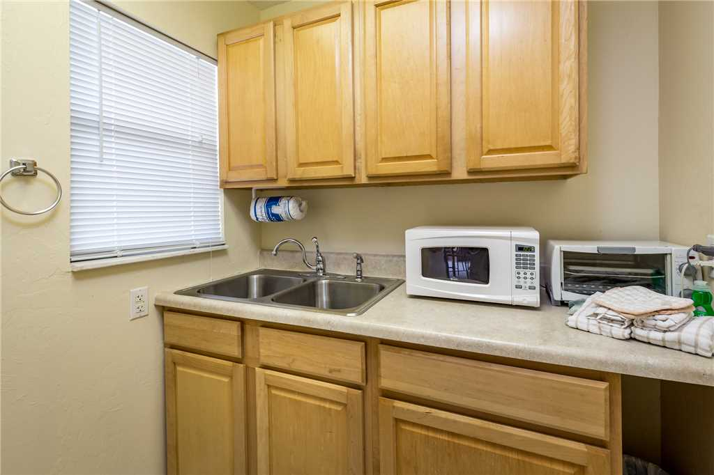 Tropical Shores Downstairs 2 Bedrooms Heated Pool Sleeps 10 House / Cottage rental in Fort Myers Beach House Rentals in Fort Myers Beach Florida - #18