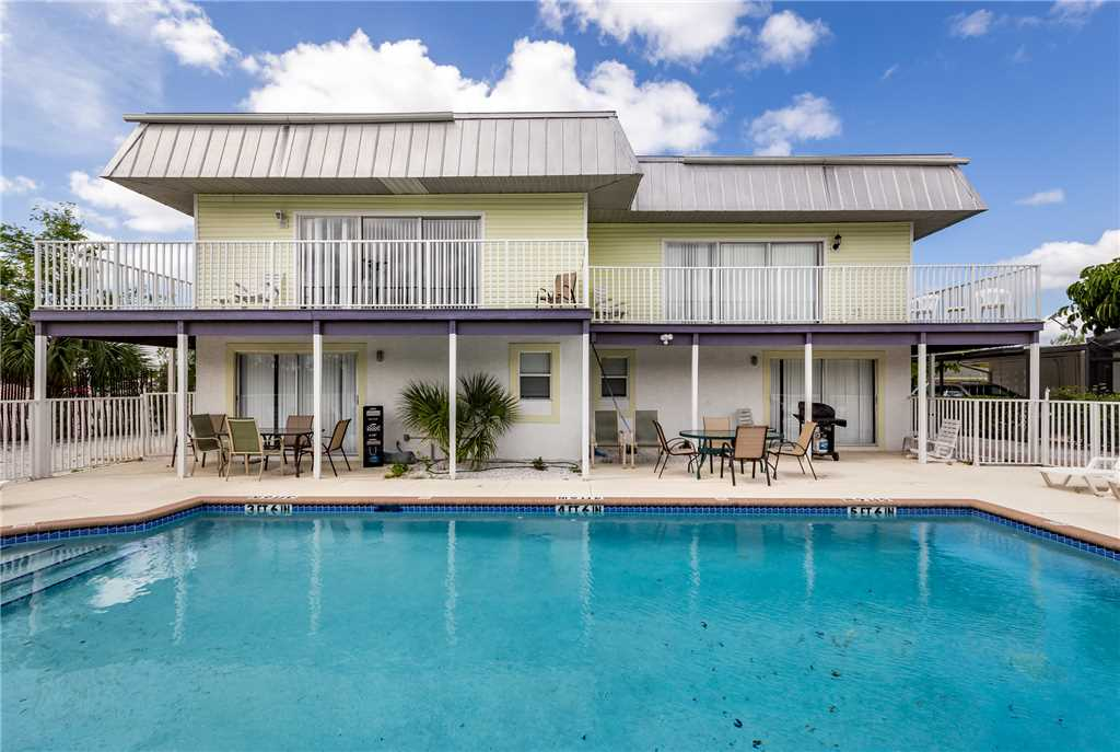 Tropical Shores Downstairs 2 Bedrooms Heated Pool Sleeps 10 House / Cottage rental in Fort Myers Beach House Rentals in Fort Myers Beach Florida - #21