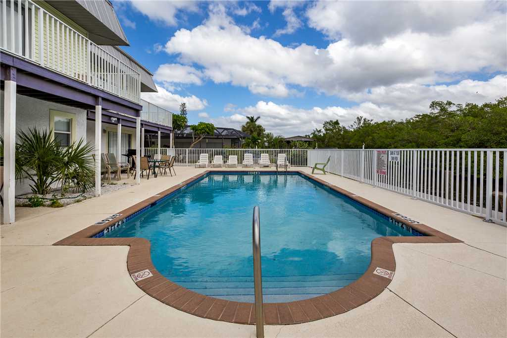 Tropical Shores Upper Level 4 Bedroom Private Heated Pool Sleeps 12 House / Cottage rental in Fort Myers Beach House Rentals in Fort Myers Beach Florida - #1
