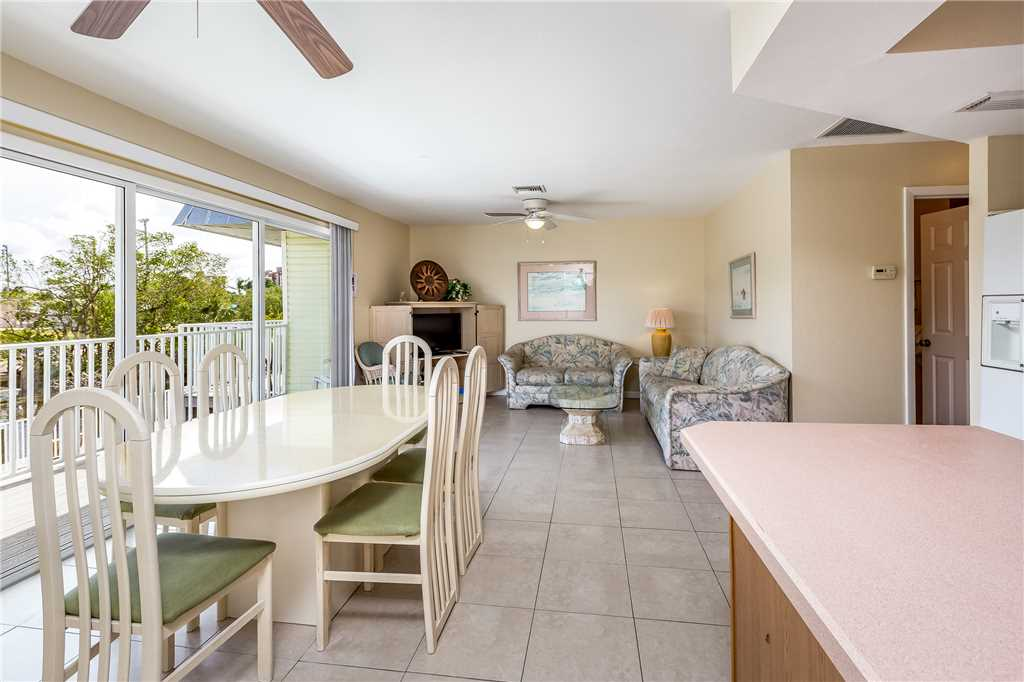 Tropical Shores Upper Level 4 Bedroom Private Heated Pool Sleeps 12 House / Cottage rental in Fort Myers Beach House Rentals in Fort Myers Beach Florida - #7