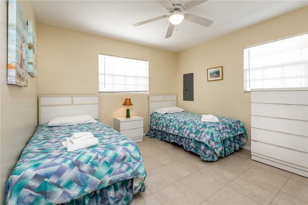 Tropical Shores Upper Level 4 Bedroom Private Heated Pool Sleeps 12 House / Cottage rental in Fort Myers Beach House Rentals in Fort Myers Beach Florida - #11