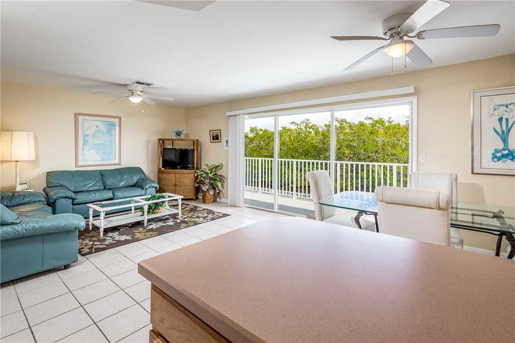 Tropical Shores Upper Level 4 Bedroom Private Heated Pool Sleeps 12 House / Cottage rental in Fort Myers Beach House Rentals in Fort Myers Beach Florida - #16