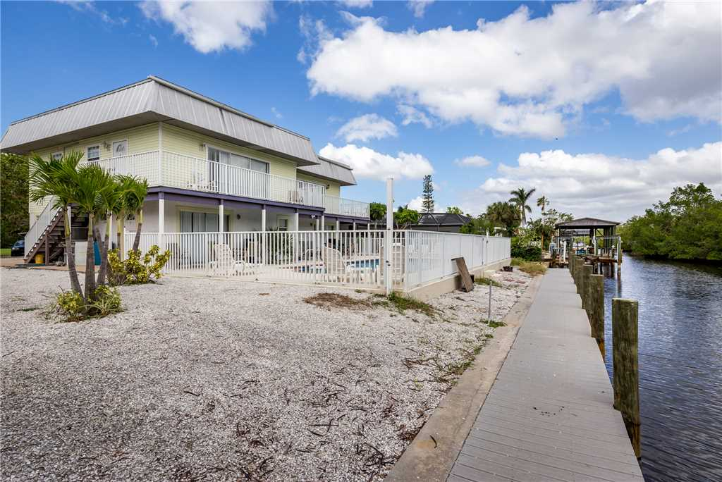 Tropical Shores Upper Level 4 Bedroom Private Heated Pool Sleeps 12 House / Cottage rental in Fort Myers Beach House Rentals in Fort Myers Beach Florida - #28