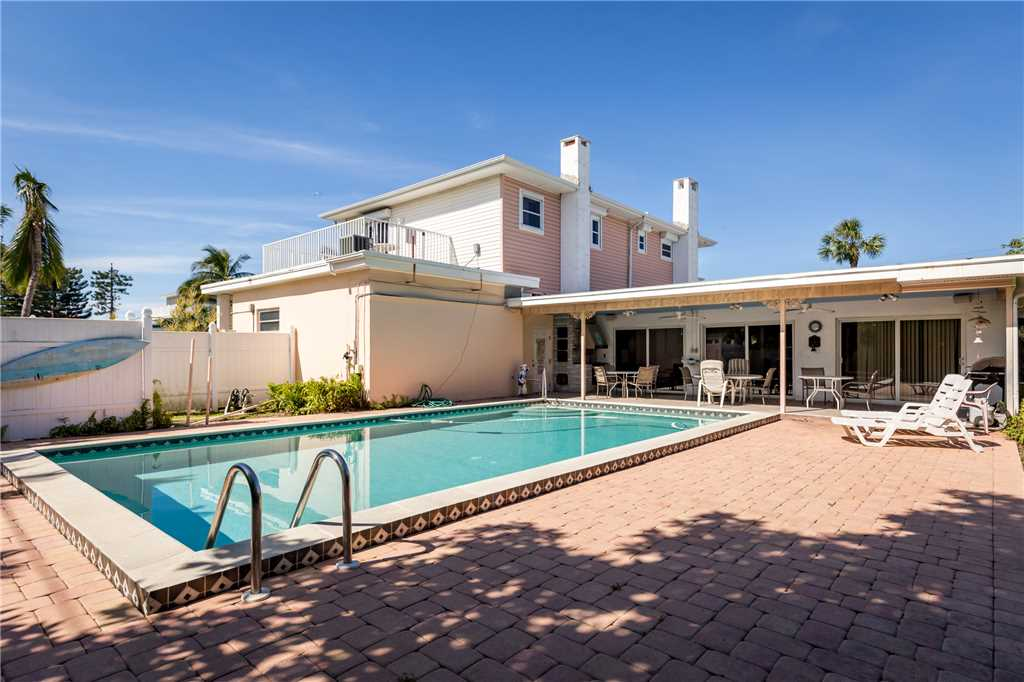 USS Gulf Breeze Beach 5 BR and Loft  Private Pool Gulf Views Sleeps 16 House/Cottage rental in Fort Myers Beach House Rentals in Fort Myers Beach Florida - #1