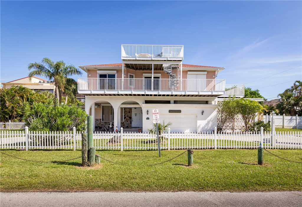 USS Gulf Breeze Beach 5 BR and Loft  Private Pool Gulf Views Sleeps 16 House/Cottage rental in Fort Myers Beach House Rentals in Fort Myers Beach Florida - #3