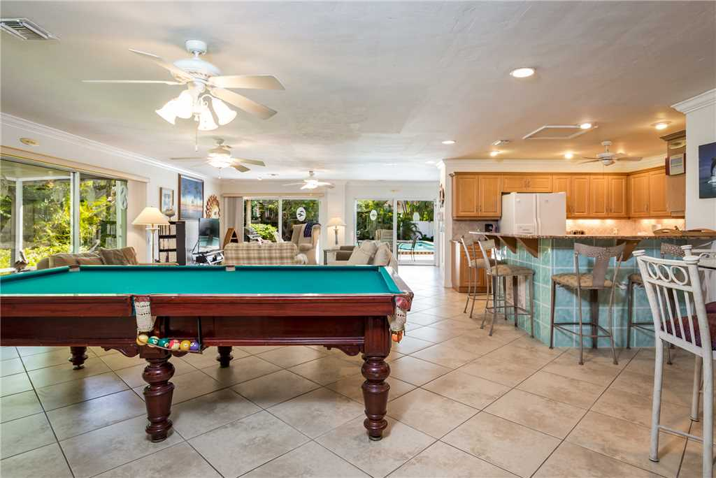 USS Gulf Breeze Beach 5 BR and Loft  Private Pool Gulf Views Sleeps 16 House/Cottage rental in Fort Myers Beach House Rentals in Fort Myers Beach Florida - #8