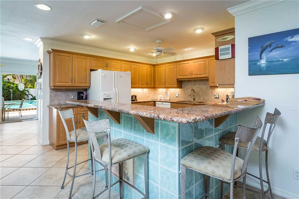 USS Gulf Breeze Beach 5 BR and Loft  Private Pool Gulf Views Sleeps 16 House/Cottage rental in Fort Myers Beach House Rentals in Fort Myers Beach Florida - #11