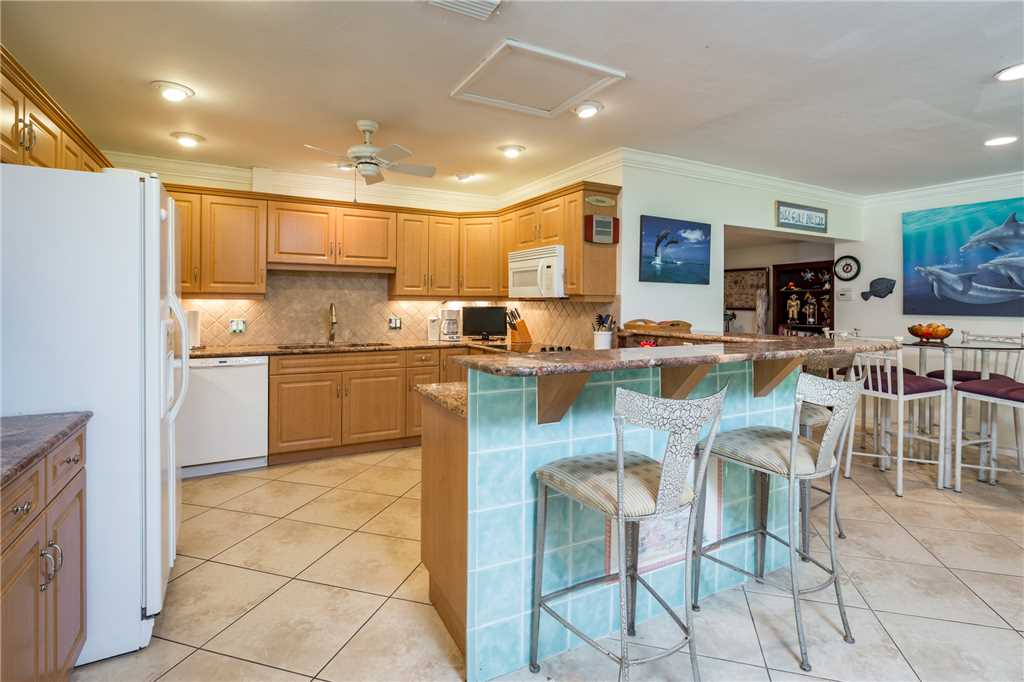 USS Gulf Breeze Beach 5 BR and Loft  Private Pool Gulf Views Sleeps 16 House/Cottage rental in Fort Myers Beach House Rentals in Fort Myers Beach Florida - #12