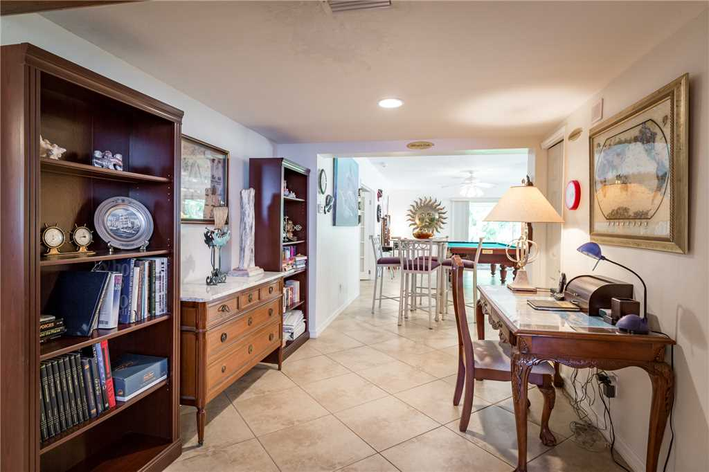 USS Gulf Breeze Beach 5 BR and Loft  Private Pool Gulf Views Sleeps 16 House/Cottage rental in Fort Myers Beach House Rentals in Fort Myers Beach Florida - #14